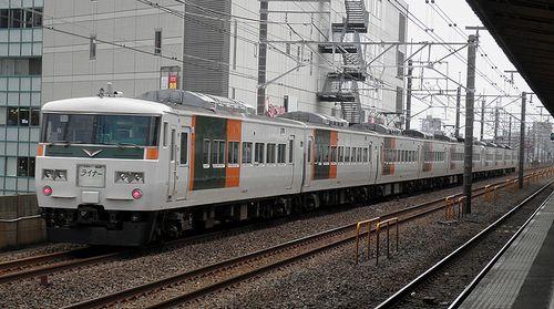 宮オオ185系「B7+B4」編成(2013年7月20日・下総中山駅)2