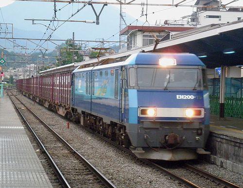EH200-19[高](2013年7月21日・大月駅)