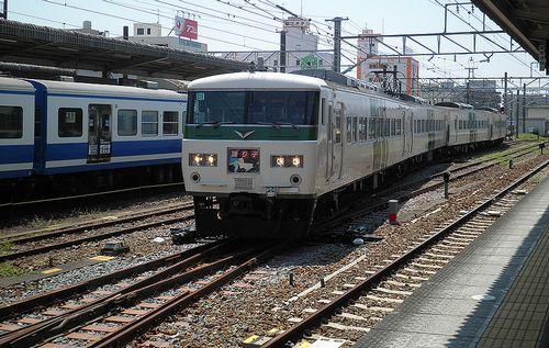 宮オオ185系「C1」編成(2013年8月4日・三島駅)1