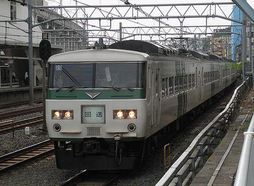 宮オオ185系「A8」編成(2013年6月28日・東十条駅)