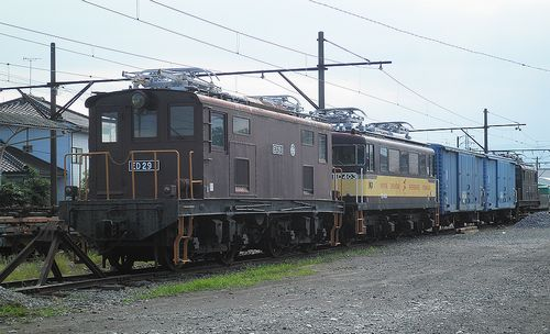岳南電車ED29 1+ED403+ワム80000(2両)+ED501(岳南富士岡駅・2013年8月4日)