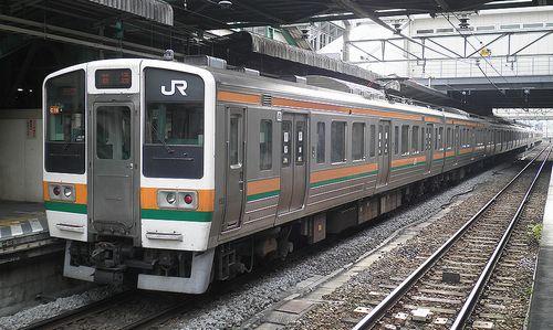 高タカ211系「C16」編成(2010年11月14日・高崎駅)