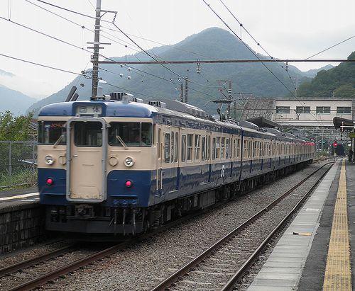 八トタ115系「M40」編成(2013年9月8日・四方津駅)2