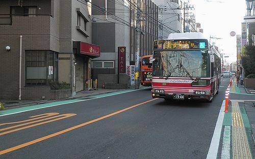 千歳烏山(東京都世田谷区)・旧甲州街道(2013年10月3日)