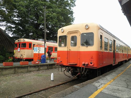 いすみ鉄道キハ28・小港鉄道キハ200(2013年10月6日・上総中野駅)