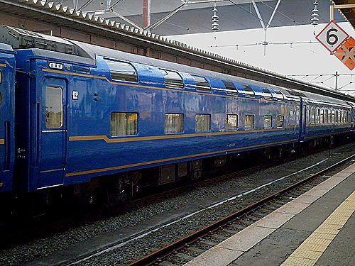 オハネ24 551(盛アオ)(2011年6月1日・青森駅)