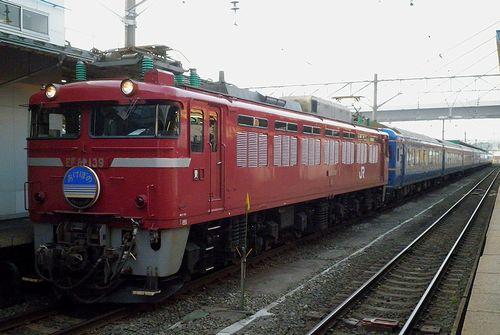 EF81 139[青]牽引・特急「あけぼの」(2011年6月1日・青森駅)