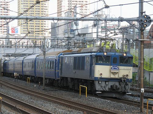EF64 1053[長岡]牽引・特急「あけぼの」(2012年5月12日・鶯谷駅)