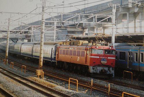 EF81 138[青]牽引「あけぼの」(2000年5月・東十条駅)
