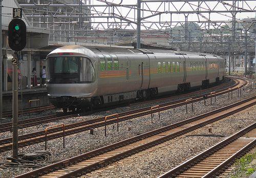 「カシオペア」(2013年6月23日・東十条駅)