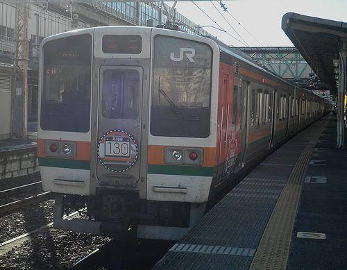 高タカ211系「C16」編成・115系風ラッピング(2013年11月23日・高崎駅)