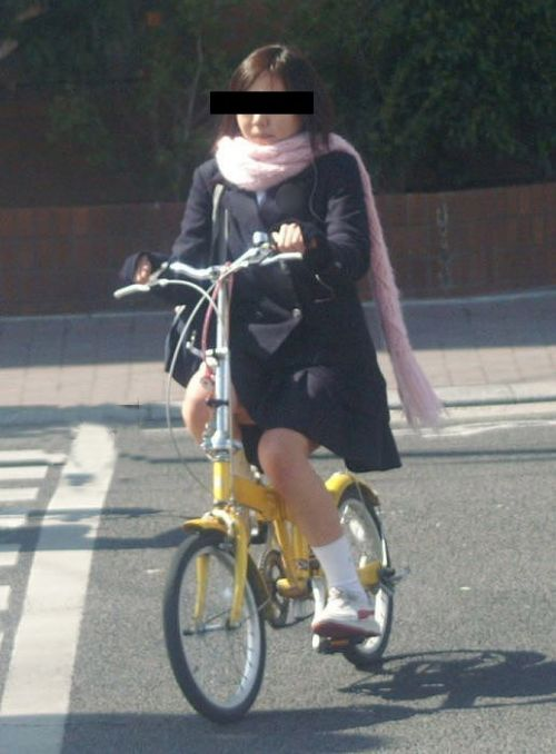 【三次画像あり】 ミニスカの女子高生が自転車に乗ってるとドキっとするよね! 53枚 part.13 No.45