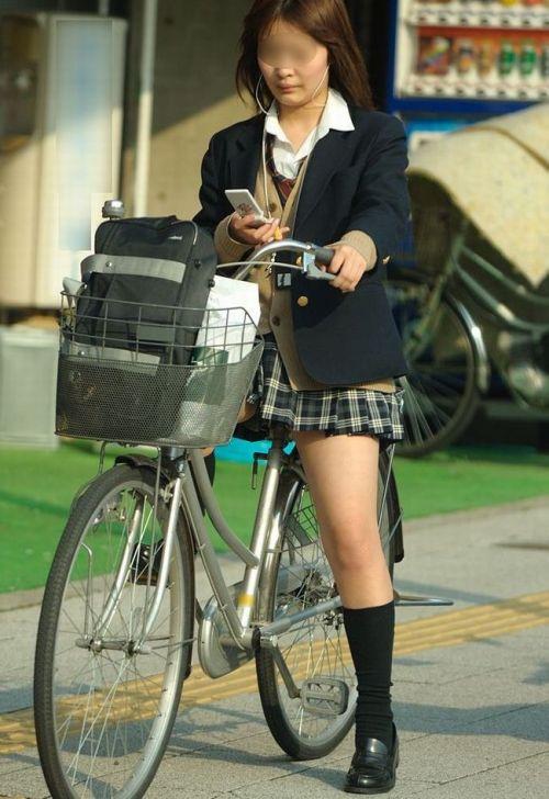 【三次画像あり】 ミニスカの女子高生が自転車に乗ってるとドキっとするよね! 53枚 part.13 No.46