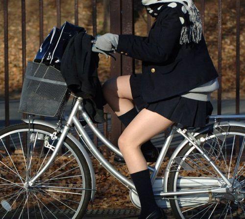 【三次画像あり】 ミニスカの女子高生が自転車に乗ってるとドキっとするよね! 53枚 part.13 No.47