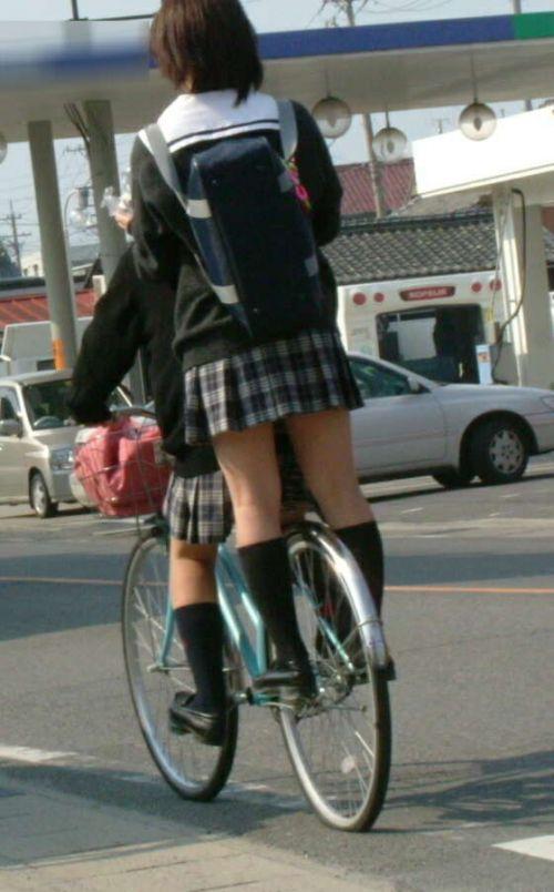 【三次画像あり】 ミニスカの女子高生が自転車に乗ってるとドキっとするよね! 53枚 part.13 No.51