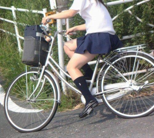 【三次画像あり】 ミニスカの女子高生が自転車に乗ってるとドキっとするよね! 53枚 part.13 No.52