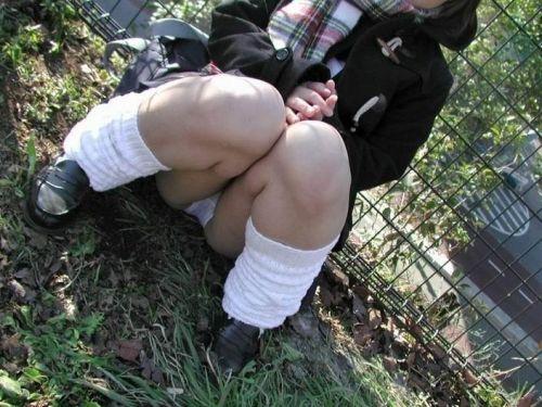 【三次・画像あり】 床に座ったJKのスカートの中が気になるわ~^^ 24枚 part.6 No.1