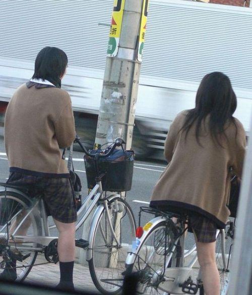 ミニスカートのJKの太ももを街撮り盗撮したエロ画像でウォームングアップしようぜ! 53枚 part.28 No.8