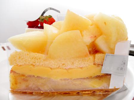 【ケーキ】アステリスク「和歌山県産白桃タルト」 (6)