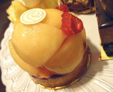 【ケーキ】リョーコ「桃のタルト」