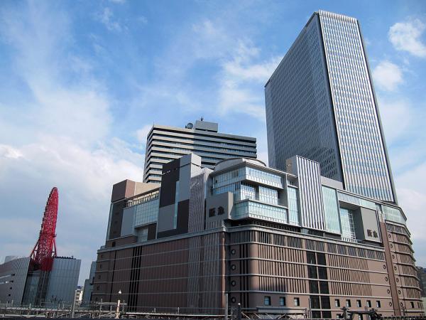 新阪急百貨店と阪急グランドビル