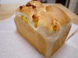 リンゴとパイナップルの食パン