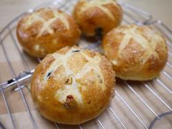 レーズンとオレンジピールのパン