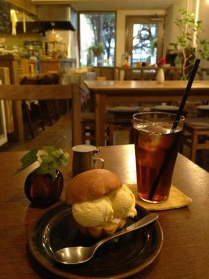 CAFE TERVE! ブリオッシュはちみつアイスのせ+アイスティー