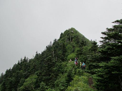 四阿山(正面)への最後の登り