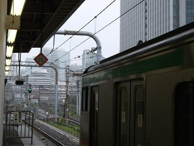 東海道線 東京駅 雨 台風
