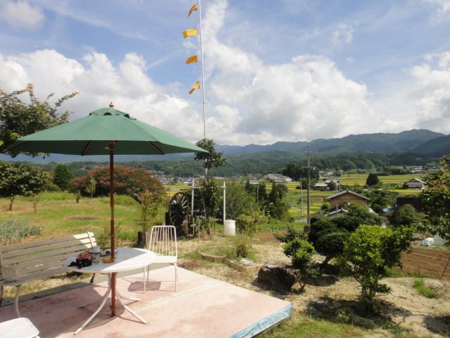 岩村茶寮からの農村風景
