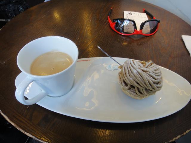 恵那川上屋の栗山+コーヒー