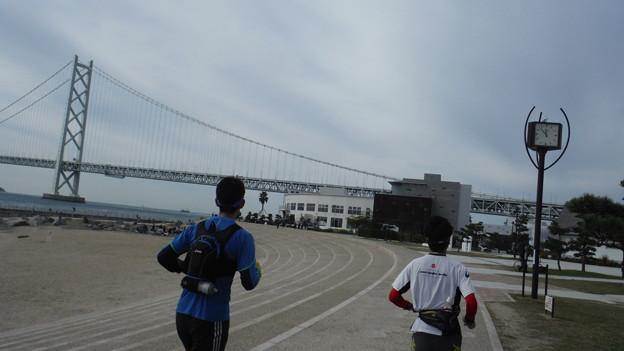 神戸試走明石海峡大橋2人