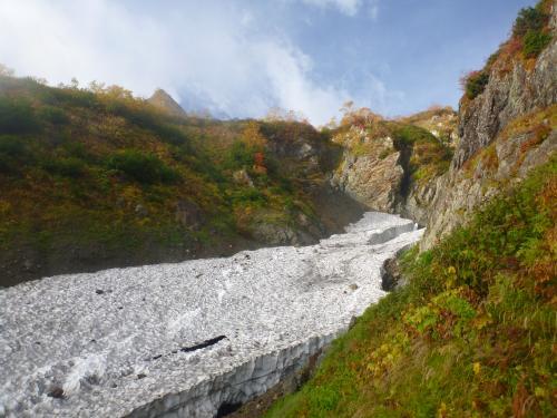 紅葉と雪渓(2)