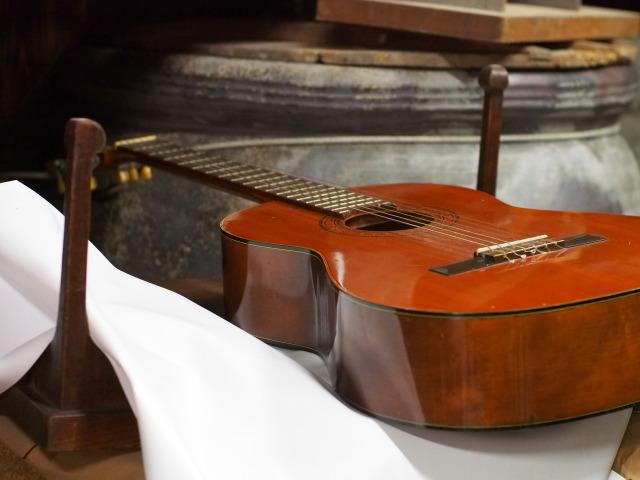 PA080158 ギター
