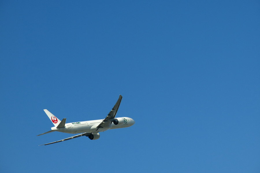 JAL B777-346ER / JAL3002 (JA734J)@RWY14Lエンド・箕面川端横