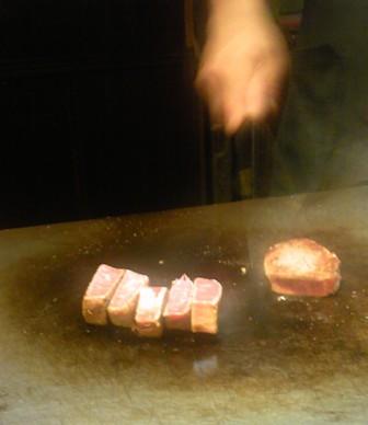 626ステーキ調理中