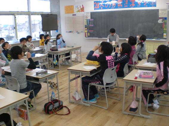 20130425沼田小学校でフッ化物洗口スタート!
