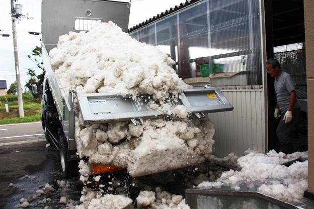 20130911一般のご家庭で雪が活用されています