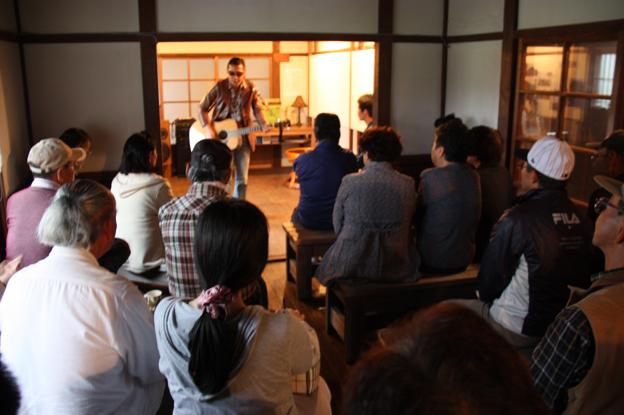 20130930中村旅館でミニライブが行われました