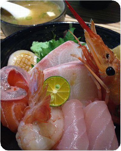 八番堂海鮮丼