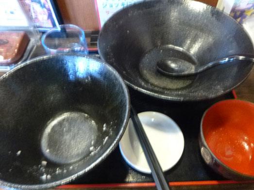ともや食堂名物メニューのメガ盛りトロもつ煮定021