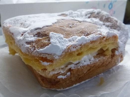 坂戸ケーキ屋ほんだ洋菓子店の四角いシュークリーム015