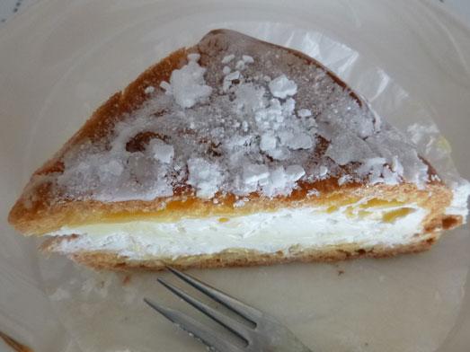 坂戸ケーキ屋ほんだ洋菓子店の四角いシュークリーム020