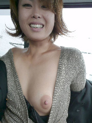 軽々しくおっぱい晒しちゃういま時の素人娘のエロ画像(30枚)