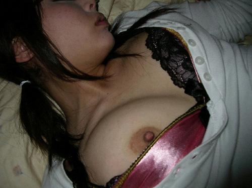 彼女が泥酔して寝ちゃったから無断でエロ写メ撮ったったwww(画像30枚)