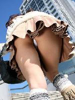 そのミニスカはパンティーも見て欲しいから履いてるの?