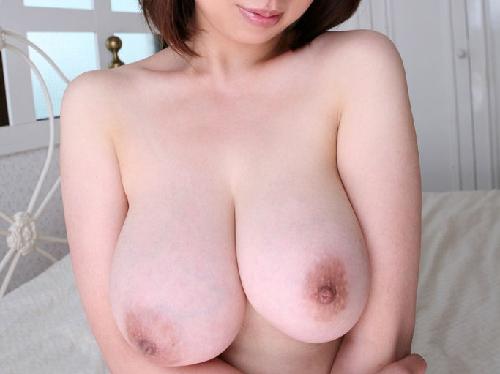 【おっぱい画像】セックスレスという清楚な人妻を脱がせたら見事な巨乳だった