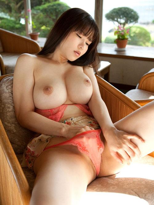沖田杏梨ちゃんの美巨乳おっぱい