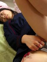 ガチで逝きそうな表情がエ□い素人娘のオナニー画像(30枚)